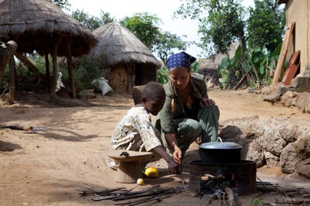 H and her little helper, Janabah, Fouta Djallon, Guinea-Conakry © Jason Florio