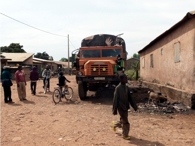 Flo-truck-Mali Ville_DSF1356 copy