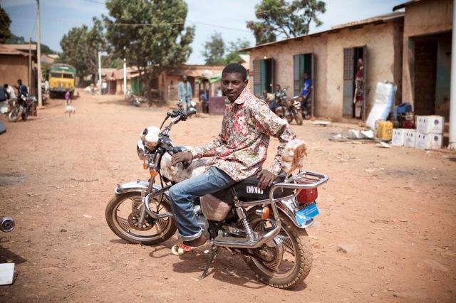 Moto taxi Ebu Mali Ville _MG_2171 copy