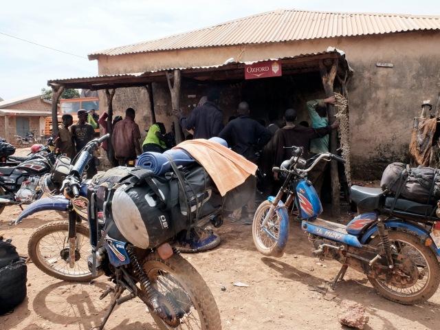 Overboard-moto-Mali ville_DSF1351 copy
