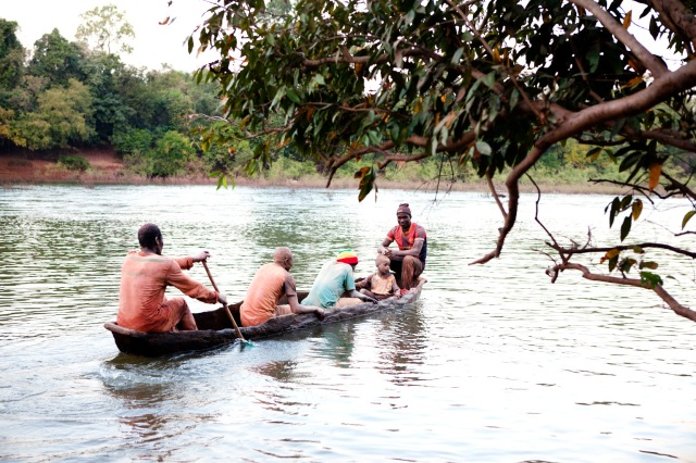 Gold miners-boat-river_MG_4015 copy